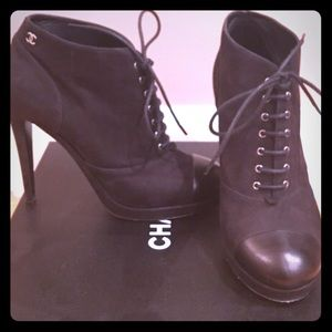CHANEL SUE CAL Lace up booties